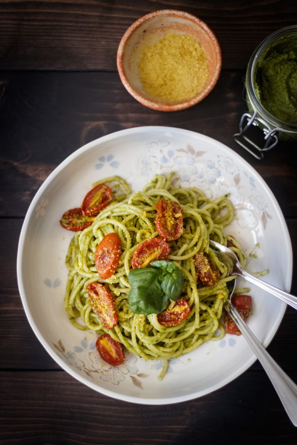 Mì Ý Sốt Pesto & Cà Chua Bi Bỏ Lò